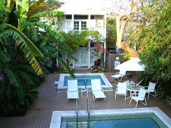 Alexander's Gay and Lesbian Guesthouse : View from Sundeck