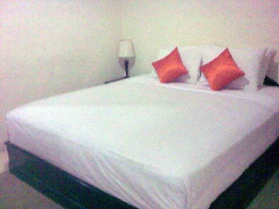 Anggrek Gandasari Hotel : bedroom