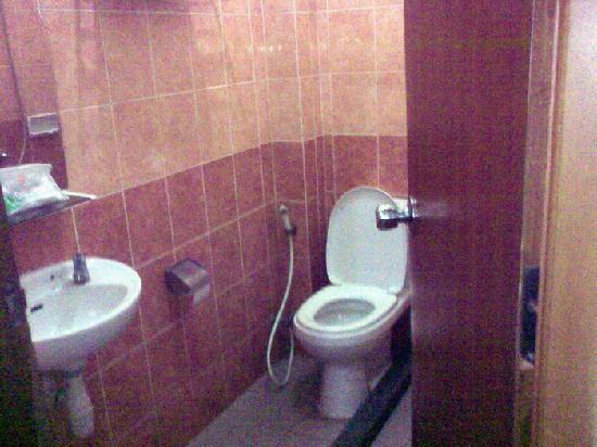 "Anggrek Gandasari Hotel : ""sitting"" room"