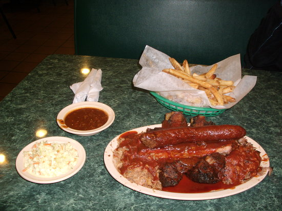 Photo of American Restaurant Interstate Bar B Que at 150 Stateline Rd W, Southaven, MS 38671, United States