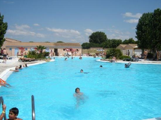 Portiragnes, Francia: Same pool complex - huge pool