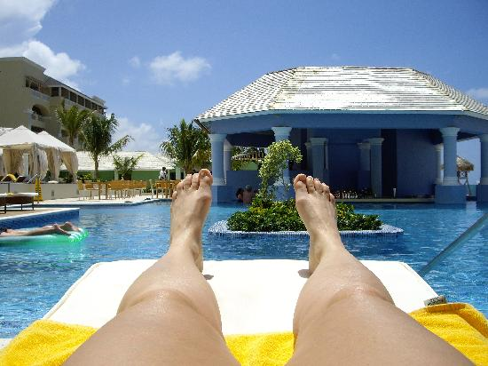 Iberostar Grand Hotel Rose Hall: The swimbar