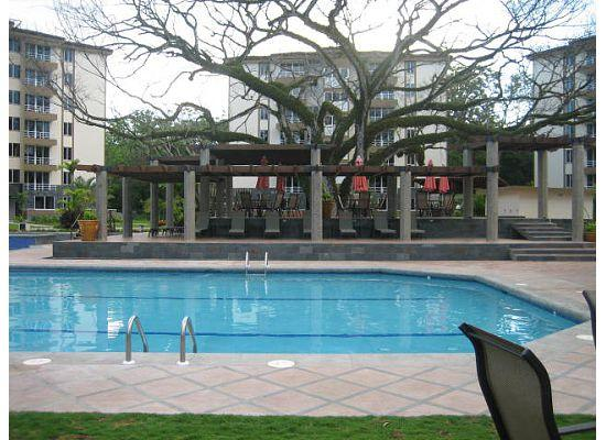 Costa Linda Condominiums: Another view of the pool