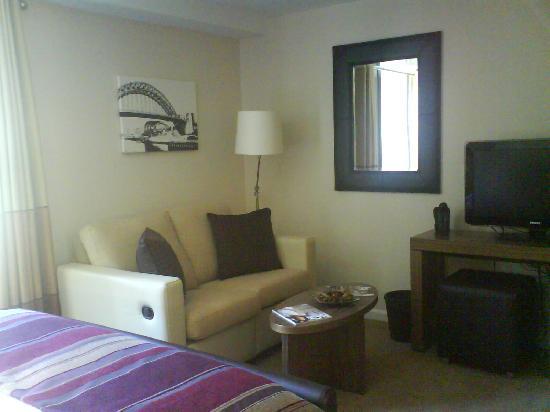 Staybridge Suites Newcastle: Living area