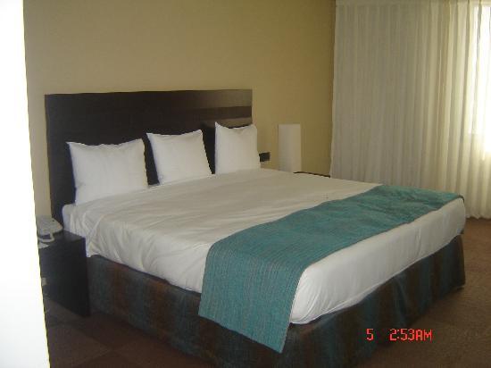 Foto de lidotel hotel boutique margarita porlamar cama for Cuanto miden las camas king