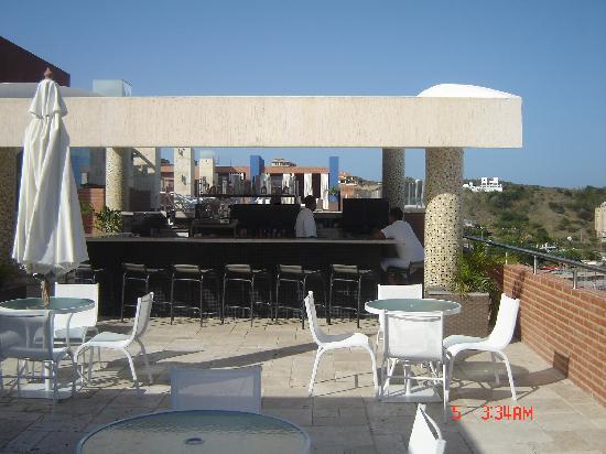 LIDOTEL Hotel Boutique Margarita: Bar de la piscina