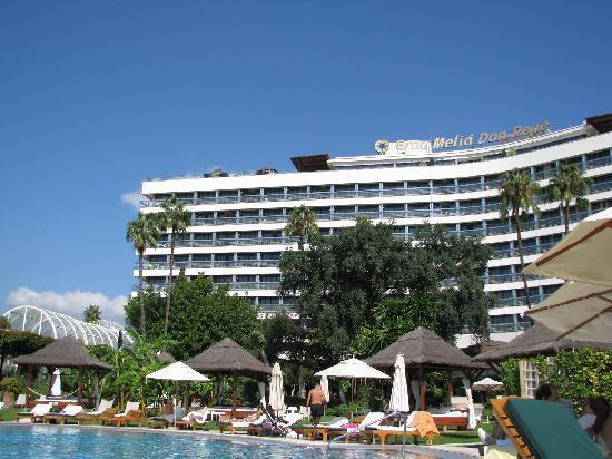 แกรน เมเลียดอนเปเป โฮเต็ล: The hotel