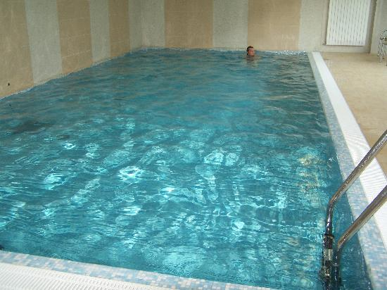 Carol : A picture of the swimming pool