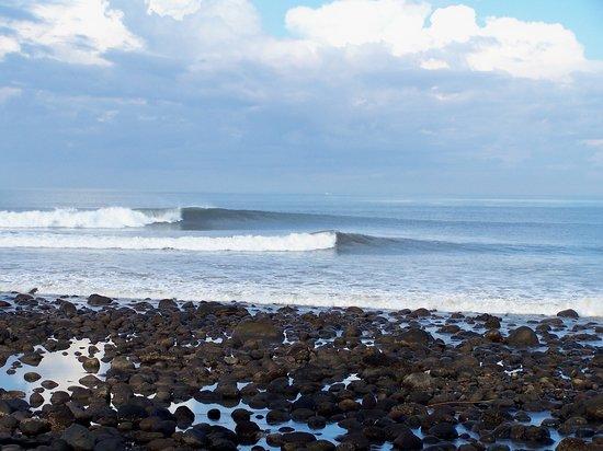 Negara, Indonesia: surfing