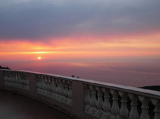 Coti-Chiavari, France: coucher de soleil
