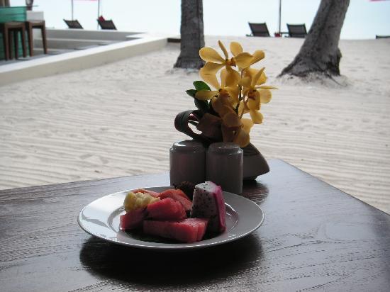 Anantara Rasananda Koh Phangan Villas: Tropic fruit for breakfast