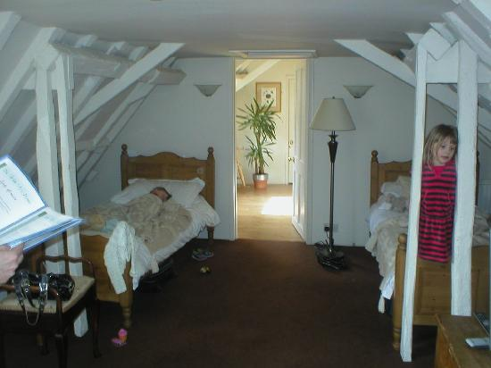 Whitehouse: Our lovely room-family suite