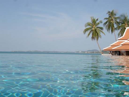 Mae Nam, Tailandia: View out to see from the infinity pool