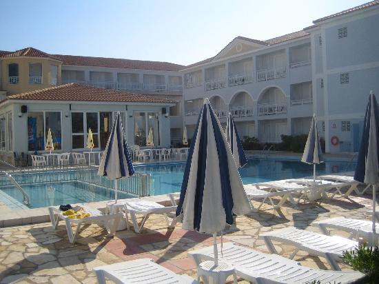 Meridien Beach Hotel: Pool