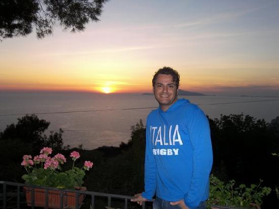 Alle Ginestre Capri Bed & Breakfast: Vista dal terrazzo