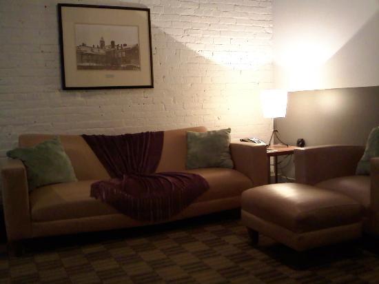 The Lofts Hotel: Sitting Room