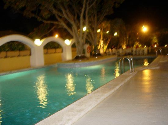 Hotel Augusta Club: Piscine exterieure