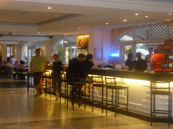 Hotel Augusta Club: bar