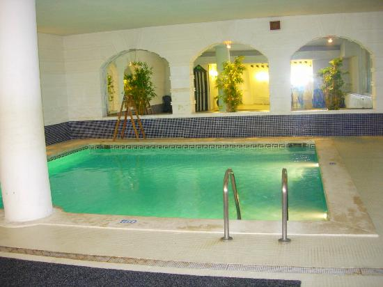 Hotel Augusta Club: Piscine Interieur
