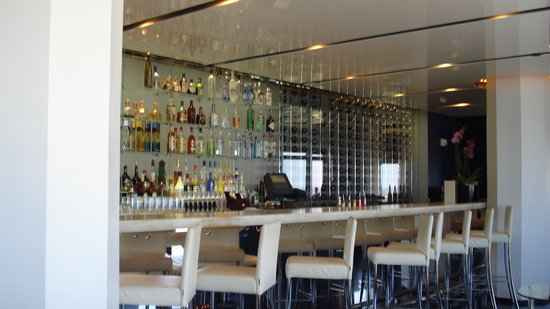 The blue at the Boca Resort: the bar