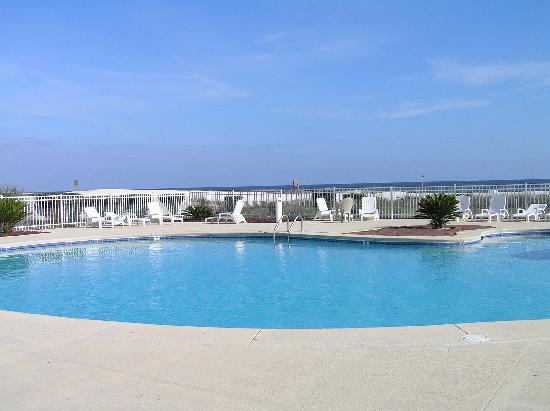 Gulf Shores Plantation: One of several lovely pools