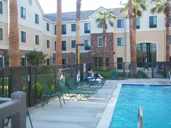 Staybridge Suites Palmdale: pool