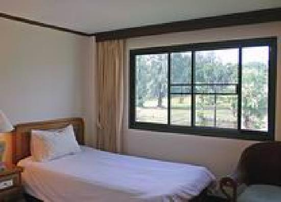 Surin Bay Inn: Guest Room