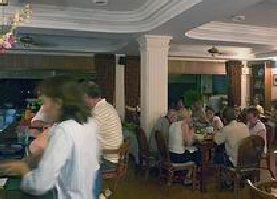 Surin Bay Inn: Bar & Restaurant