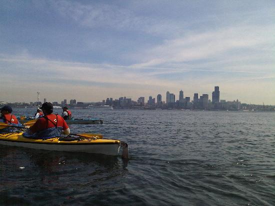 Alki Kayak Tours: City view at start of trip