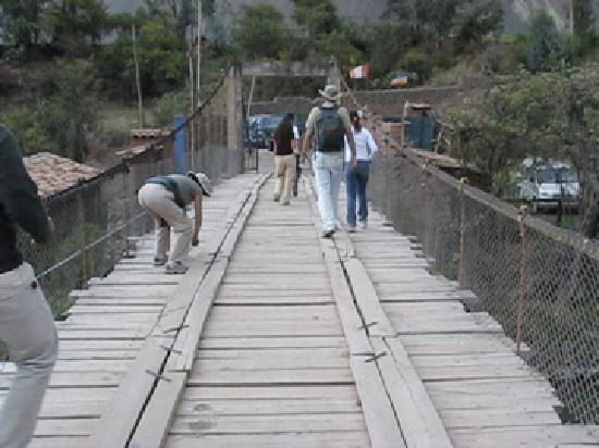 Arcoris del Puente: Crossing the bridge to the hotel