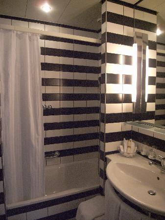 Hotel Opera Zurich: toilet