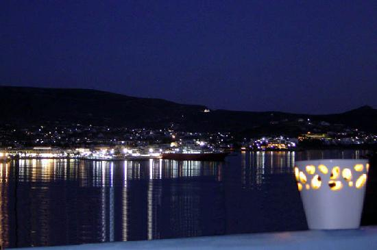 Paros Paradise Apartments: NIGHT VIEW FROM STUDIOS