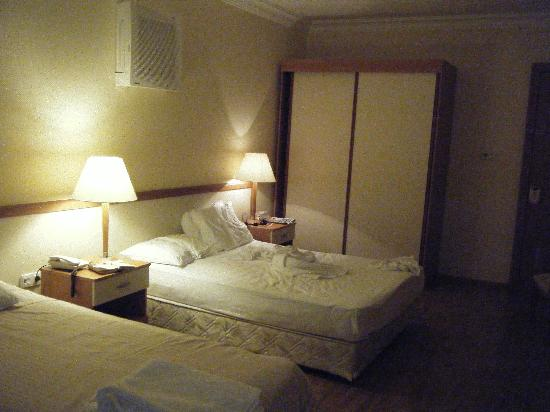 L'Etoile Hotel: Room