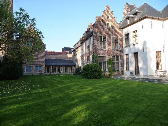 Martin's Klooster Hotel: Inner courtyard