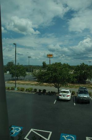Wingate by Wyndham Macon : view