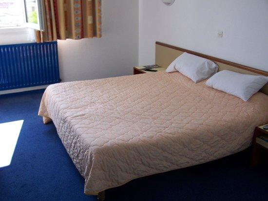 Hotel des Remparts :                                                       la chambre