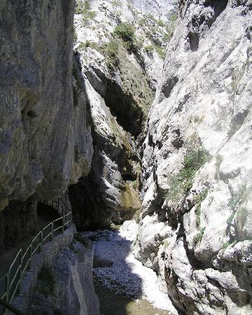 The Cares Gorge: Area near the beginning of the walk near Cain, Cantabria