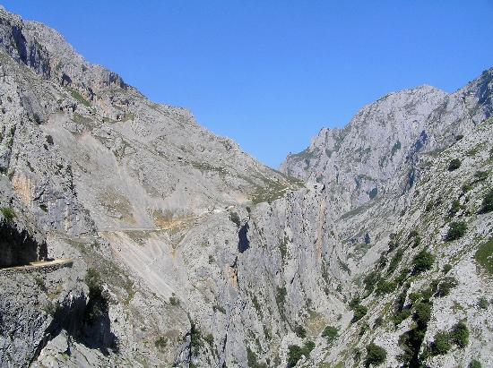 The Cares Gorge: The walk is coming to an end, near Poncebos, Asturias