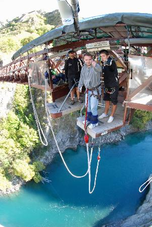 AJ Hackett Bungy New Zealand: :)