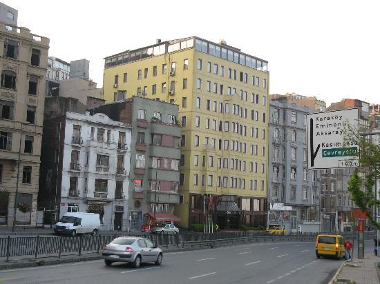 Grand Hotel Halic: Hotel Facade