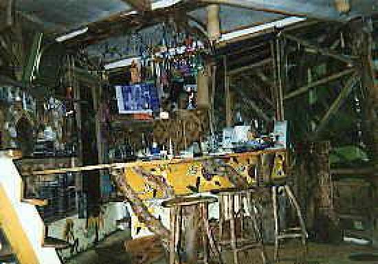 Enigmata Treehouse Ecolodge: The Bar