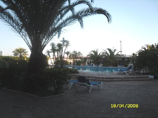 Vasco da Gama Hotel : Pool view from restaurant