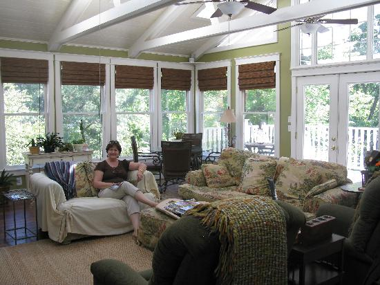 Magnolia House Bed and Breakfast: Mom in the sunroom