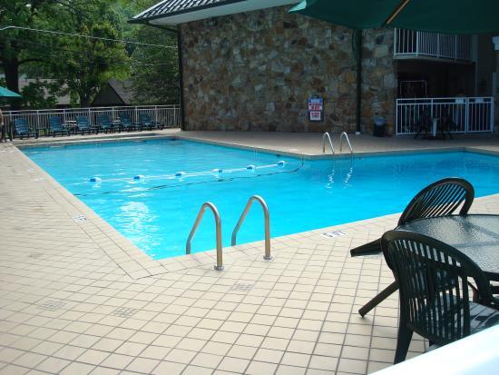 Greystone Lodge On the River : Pool