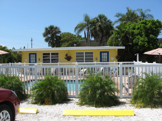 Photo of Driftwood Motel Holmes Beach