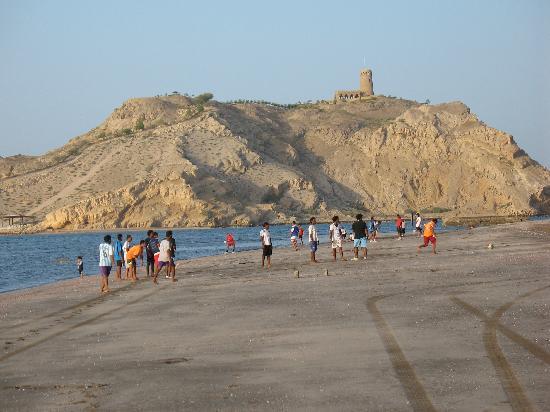 Barka, Oman: balade sur la plage