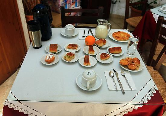 Hotel Keramos: Breakfast to one person