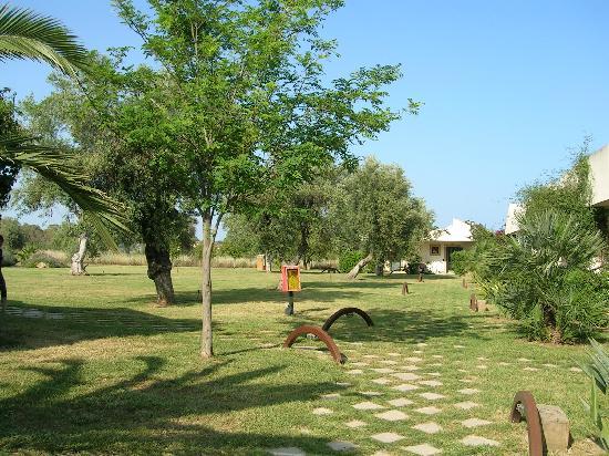 Valle di Mare Country Resort: cortile interno camere