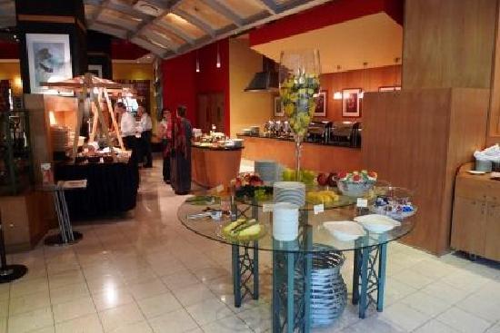 MakTirana Hotel & Tower: buffet 1