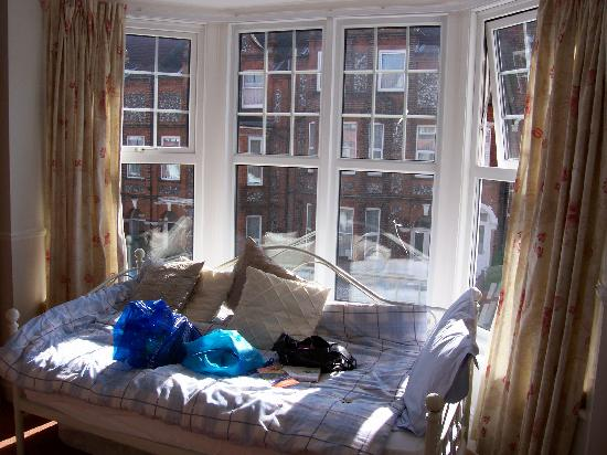 Albury House: the infamous bed
